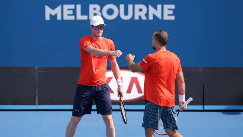 Australian Open: No. 6 seeds Jamie Murray & Bruno Soares avoid shock loss, make QF