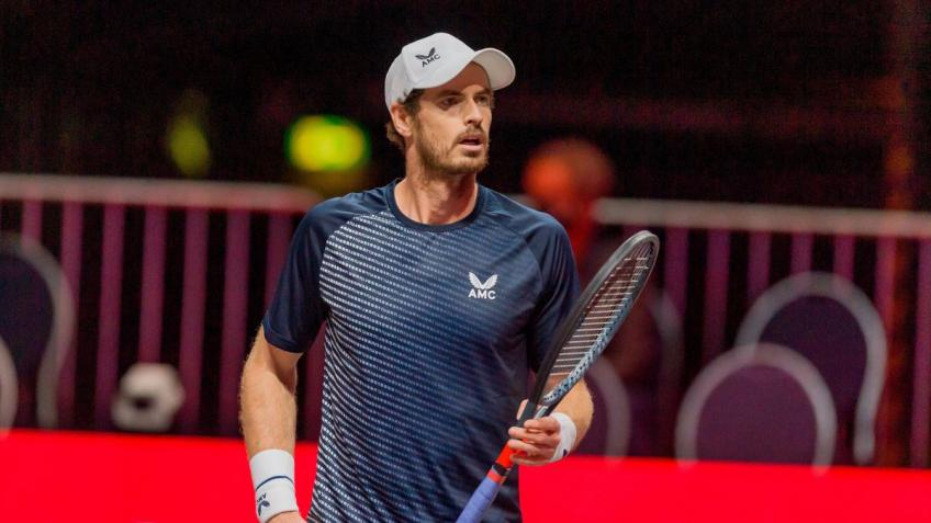 Andy Murray urges players to take vaccine