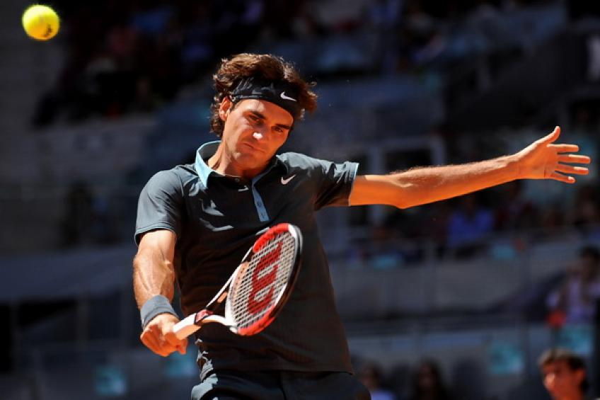 ThrowbackTimes Madrid: Roger Federer sprints past James Blake to reach quarters