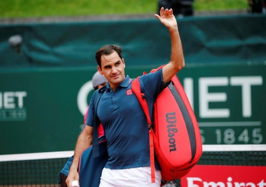 'I think Roger Federer is preparing to say...', says former ATP ace