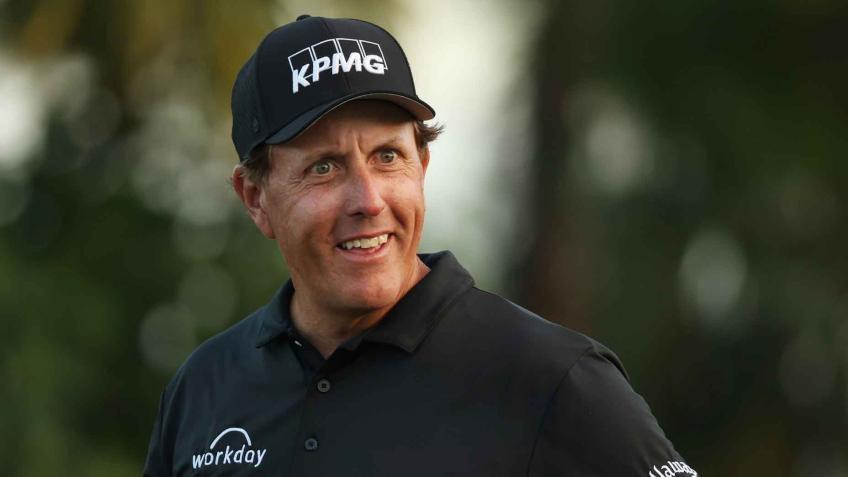 """Phil Mickelson: """"Now I'm short and crooked"""""""