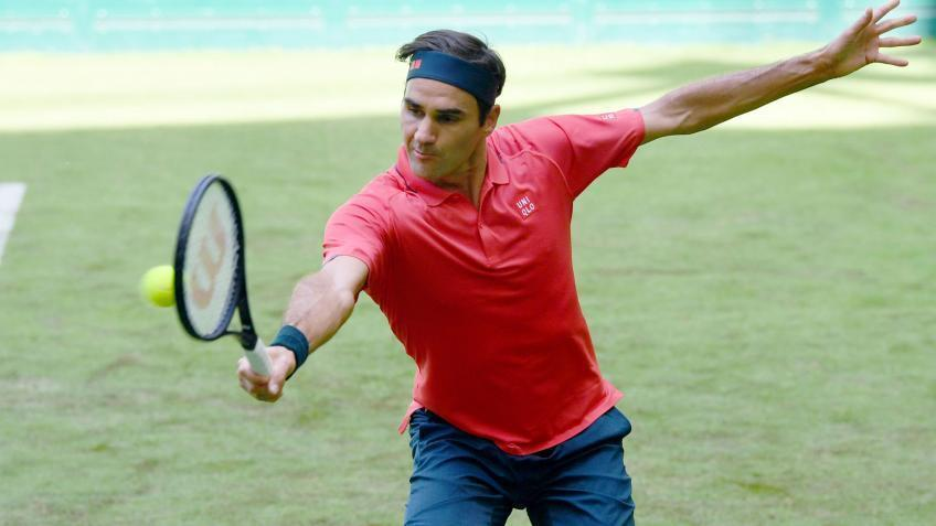 'The normal thing is that it is not easy for Roger Federer...', says top coach