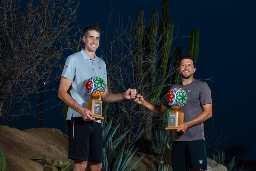 John Isner reacts to winning Los Cabos doubles title with Hans Hach Verdugo