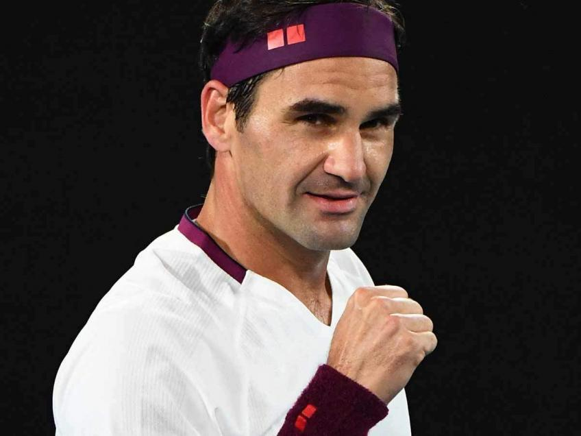 'I believe Roger Federer is going to try to play one more...', says top analyst