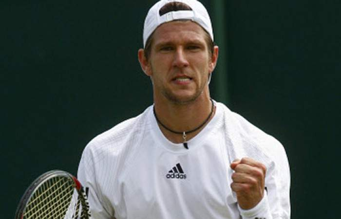 J�rgen Melzer stuns Fabio Fognini [30] in the first round of Wimbledon 2013