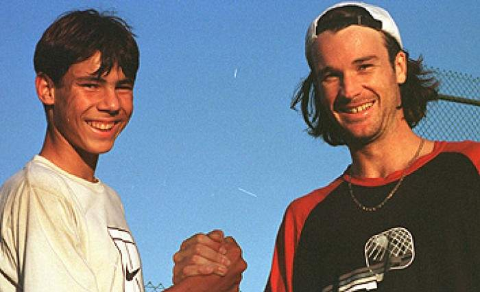 Rafael Nadal congratulates Carlos Moya on his top ranking anniversary