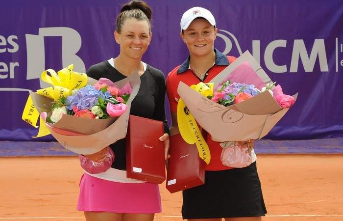 Casey Dellacqua and Ashleigh Barty save three match points to win Strasbourg doubles title