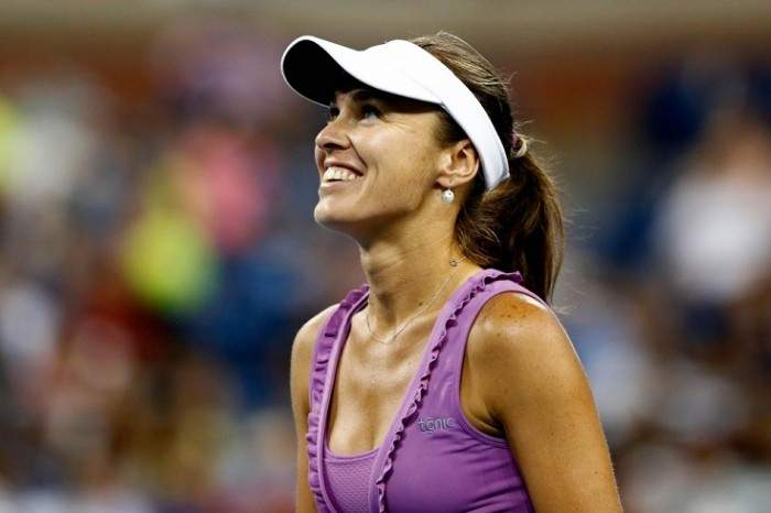 Martina Hingis says she will continue playing limited doubles schedule in 2015