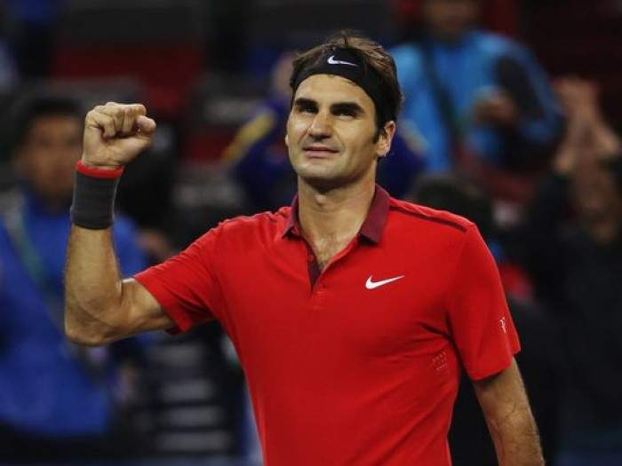 Roger Federer Keeping Legend Alive, Beats Simon to Win Maiden Shanghai Title!