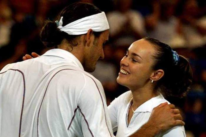 Martina Hingis: ´In 2012 Federer asked me to play with him in London but I wasn´t ready´