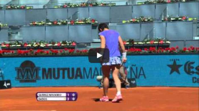 Carla Suarez Navarro hits a perfect backhand