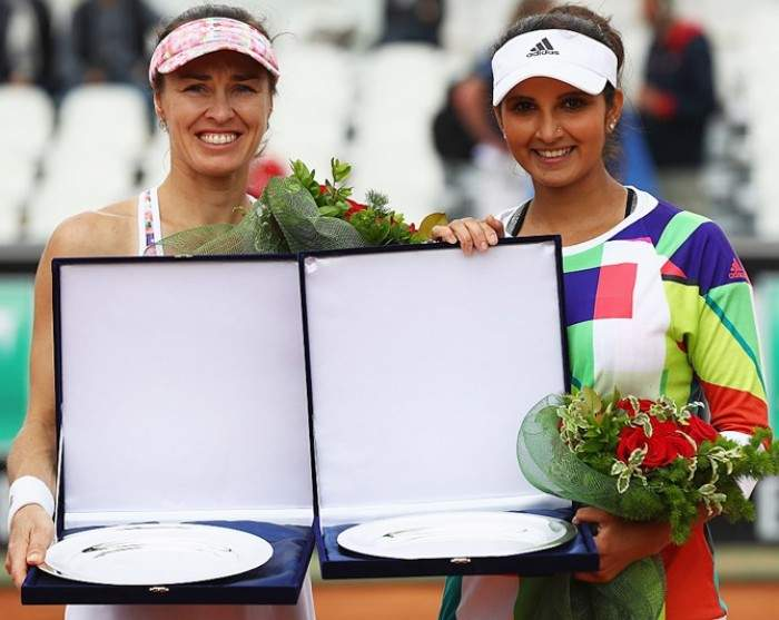 Sania Mirza and Martina Hingis First to Qualify for WTA Season Finale!