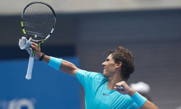 Rafael Nadal shaves his hair: is he having a treatment? (PICS INSIDE)