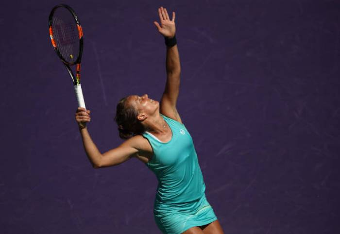 WTA BIEL - Strycova and Goerges advance, Bencic and Babos are out