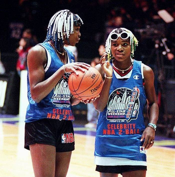 HOT Venus Williams plays basketball for commercial! (PICS INSIDE)