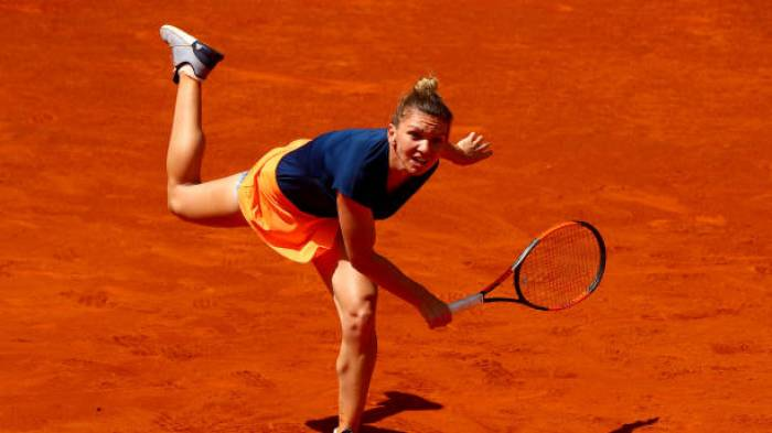 WTA MADRID - Simona Halep beats Mladenovic in three sets and defends her title