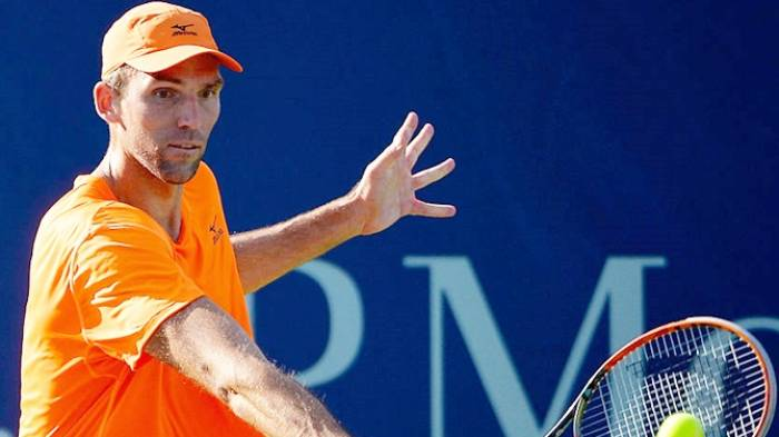 Ivo Karlovic regrets for being a one-handed backhand player