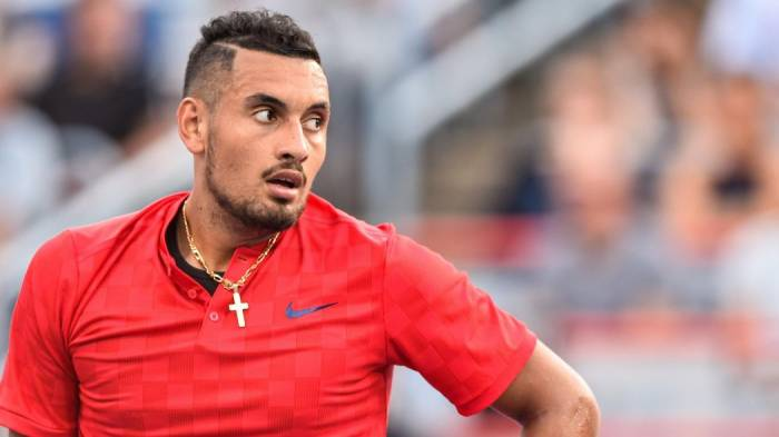 Nick Kyrgios walks off court after losing first set at Shanghai Open