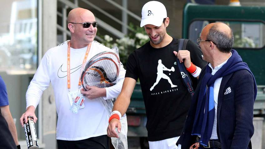 Andre Agassi: 'Novak Djokovic had a fracture in his elbow'