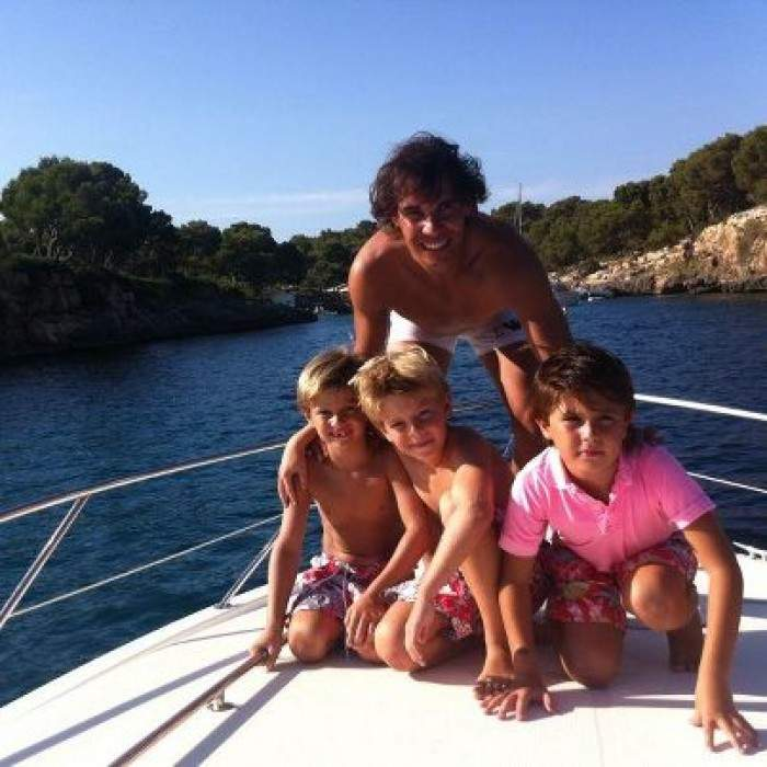 Rafael Nadal Again Goes To Beach With His Young Cousins