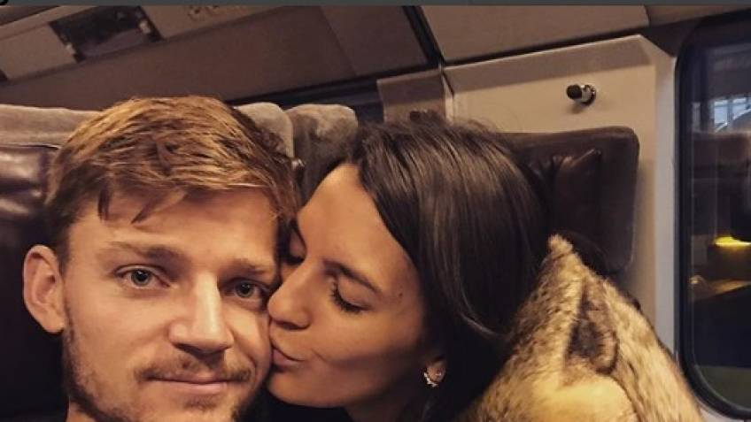 David Goffin enjoys holidays with girlfriend and Tsonga, Pouille, Herbert!