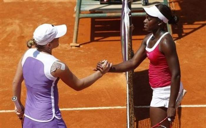 WTA Estoril - Sloane Stephens wins battle of young Americans