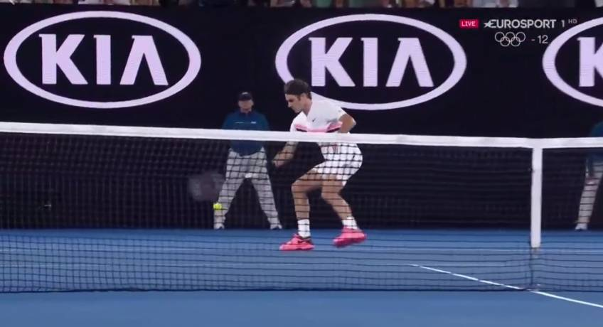 Shot of the tournament? Roger Federer hits crazy forehand