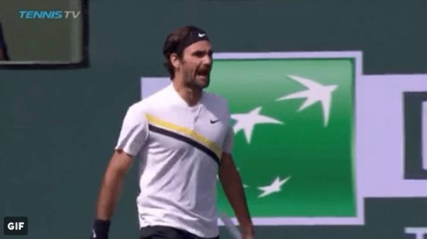 Roger Federer wins the second set, yells at umpire!