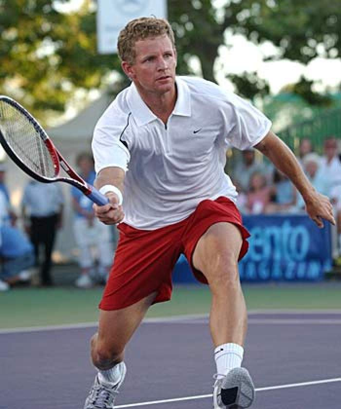 Doubes specialist Mark Knowles retires from tennis