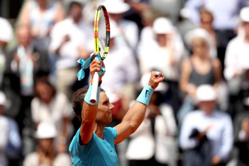 Muguruza dominates Sharapova, Halep also into French Open semifinals