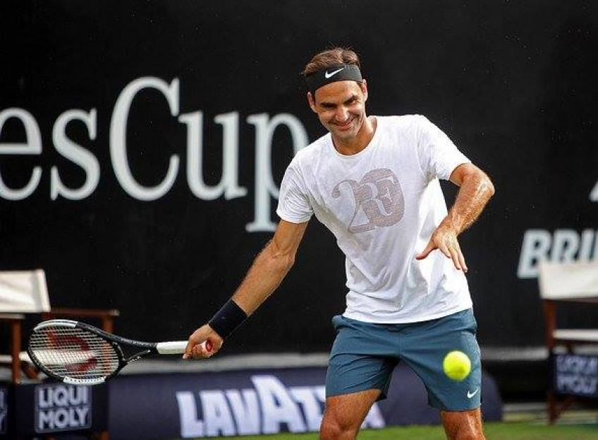"Roger Federer gets ""new"" racket, Beckham's son is one of the ambassadors!"