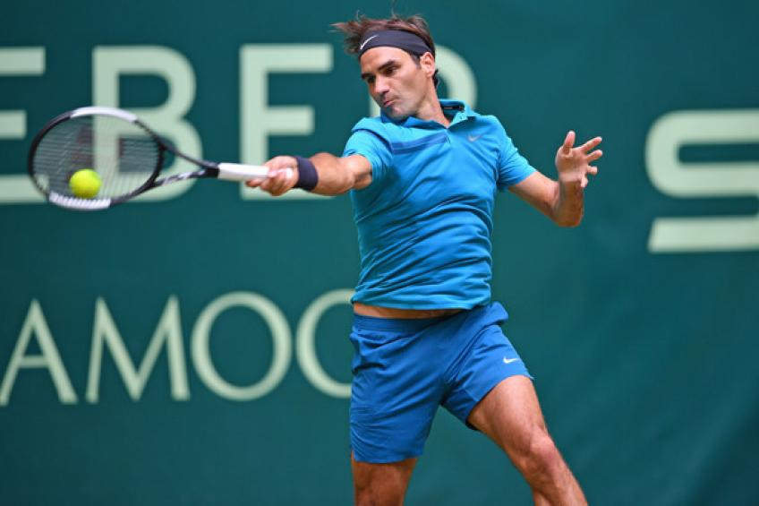ATP Halle: Roger Federer saves two MP's against Benoit Paire