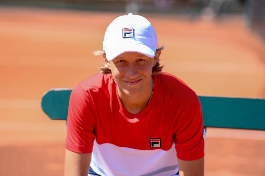 15 year old Leo Borg signs with FILA