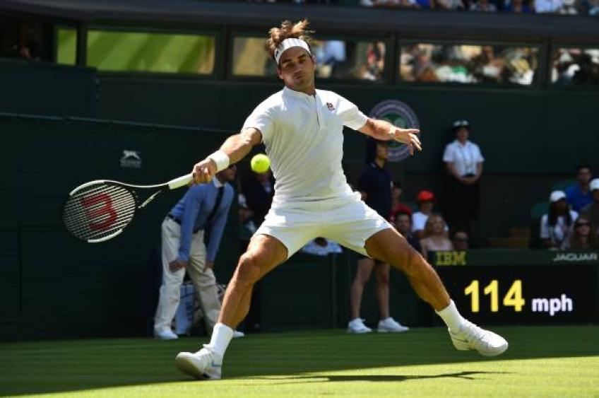 Federer cruises into his 16th Wimbledon quarter-final