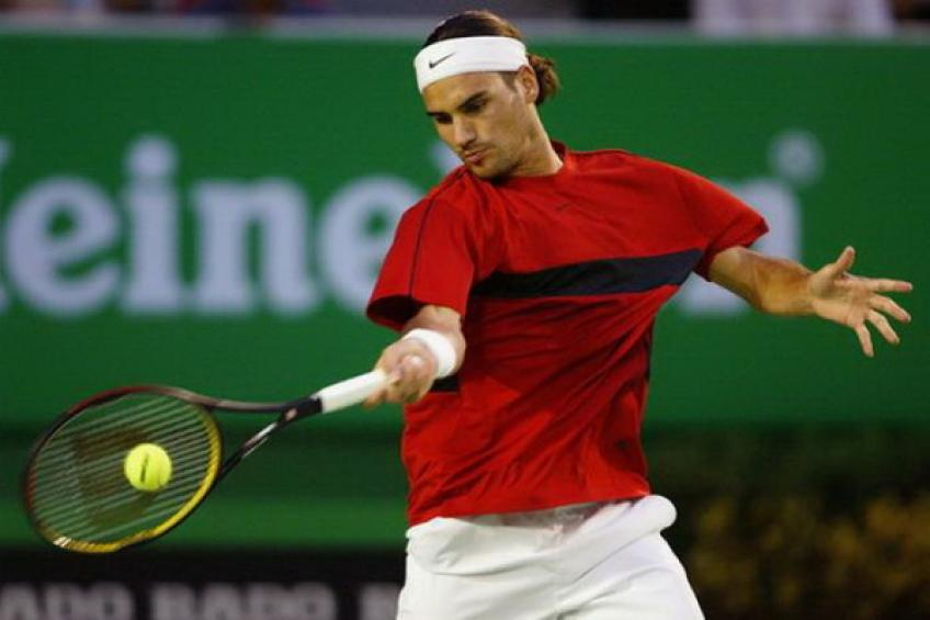 ATP ANALYSIS: Roger Federer loses to Agassi in the last test before AO 2004