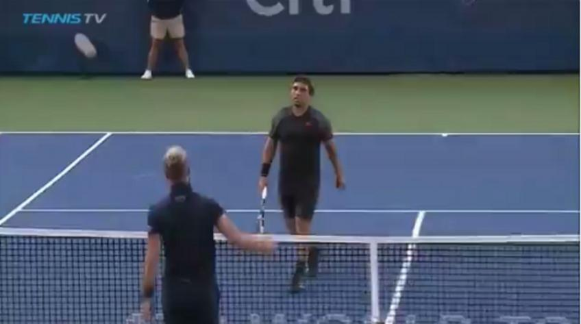 Crazy Benoit Paire leaves Washington breaking racket