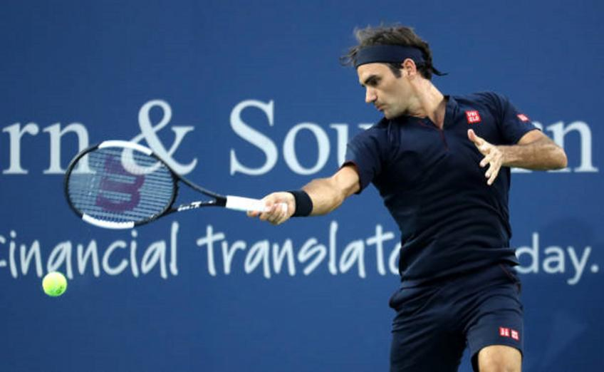 Cincinnati Open: Lightning assists Roger Federer's double win day