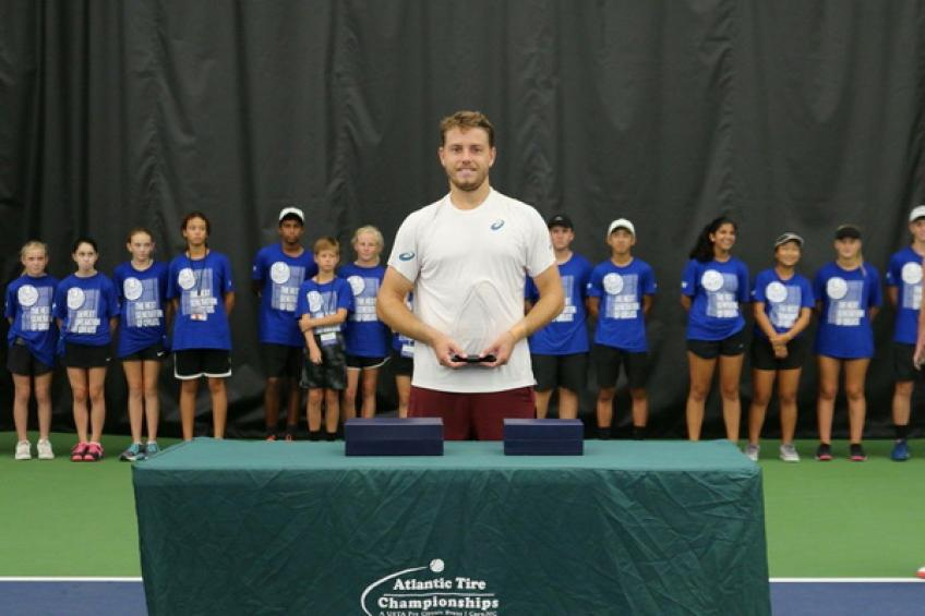 Andreozzi edges Berlocq. First title for James Duckworth in two years