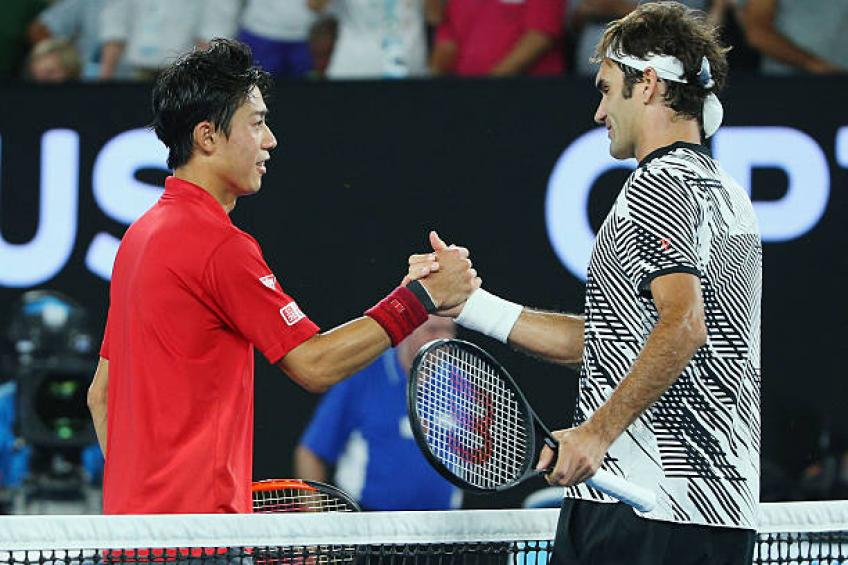 Federer forced to battle again on way to Shanghai quarters