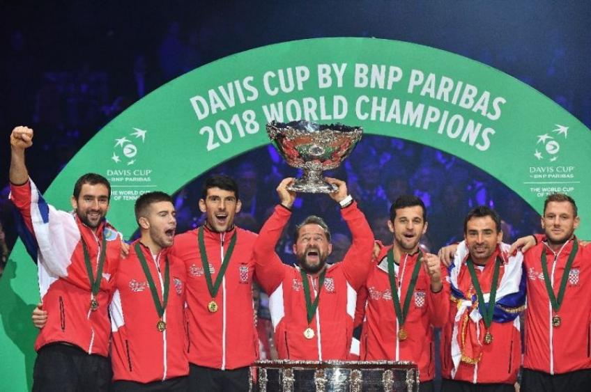 Novak Djokovic congratulatates Croatia on winning Davis Cup