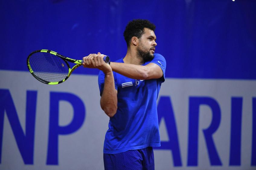 Jo-Wilfred Tsonga seeks remedy for ailments and his sagging rankings