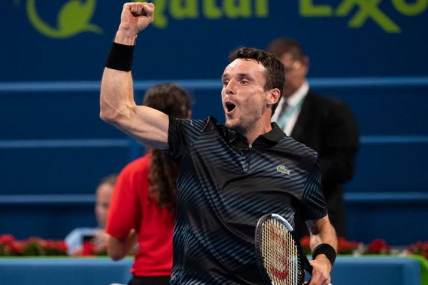 Bautista Agut stuns Djokovic, set to meet Berdych in final
