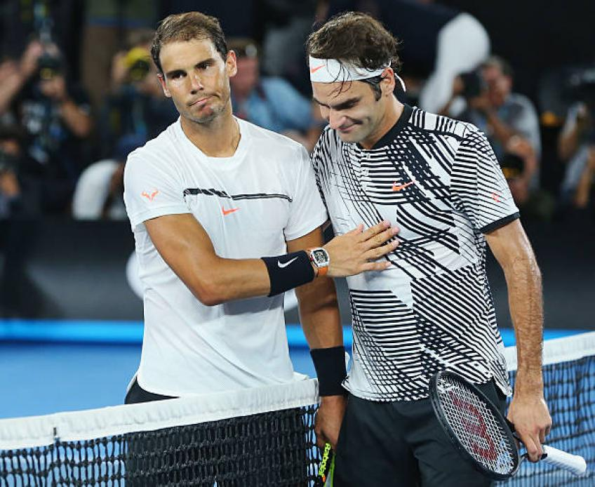 Roger Federer crushes Taylor Fritz to continue Australian Open march