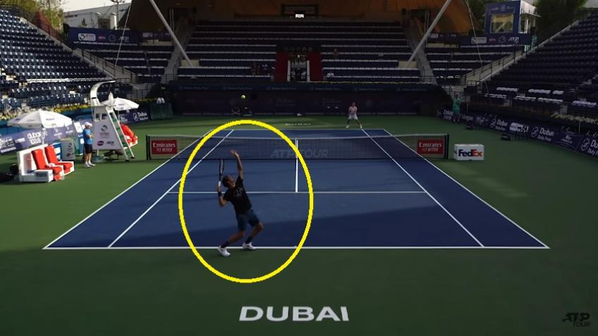Court Level View: Roger Federer v Matt Ebden | Practice Session in Dubai