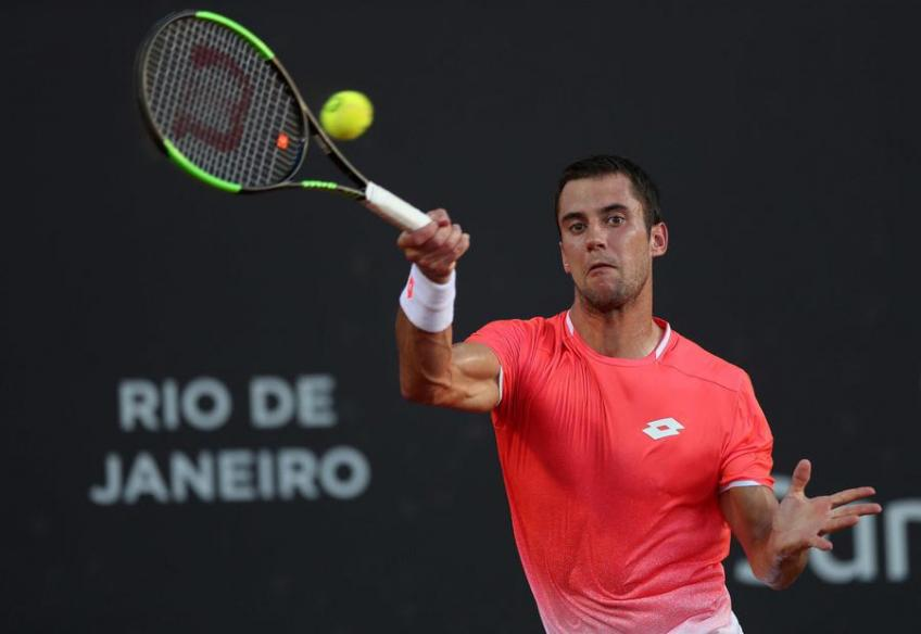 Laslo Djere cannot emulate Novak Djokovic, but he can improve his game