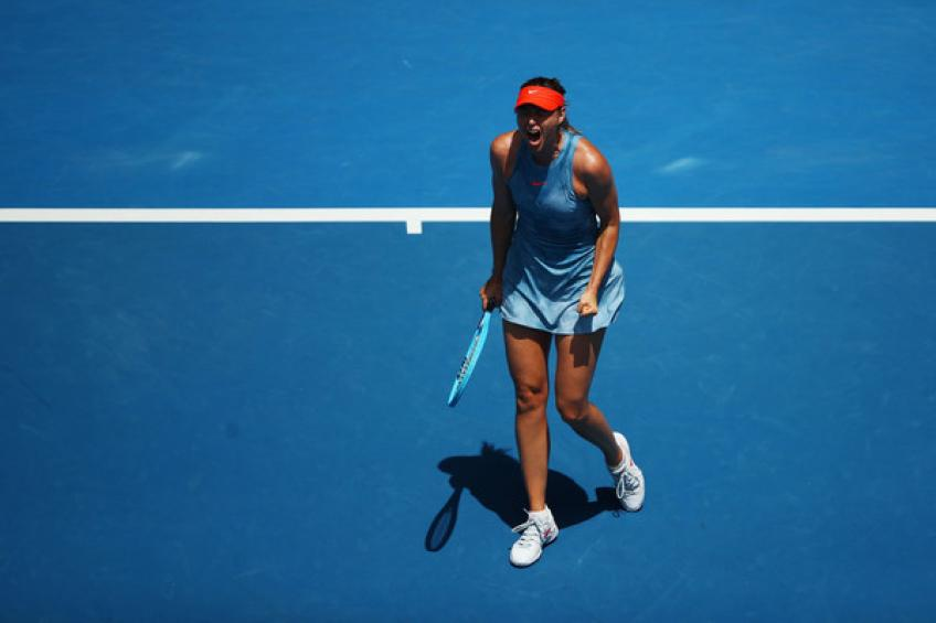 Maria Sharapova hit practice court after a minor shoulder surgery
