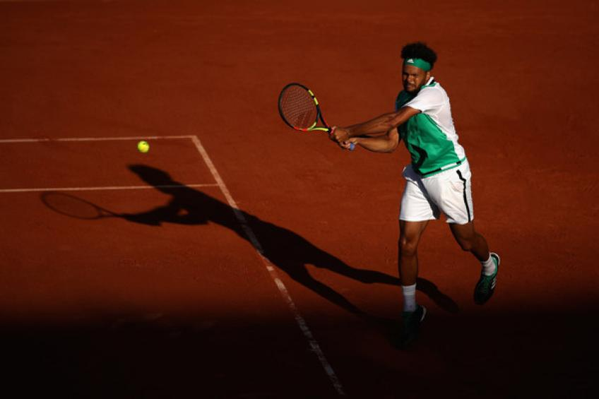 ATP Marrakech: Jo-Wilfried Tsonga downs Kyle Edmund. Gilles Simon wins
