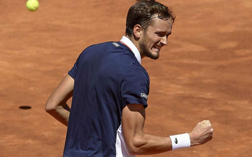 Daniil Medvedev takes his game to another level this clay season