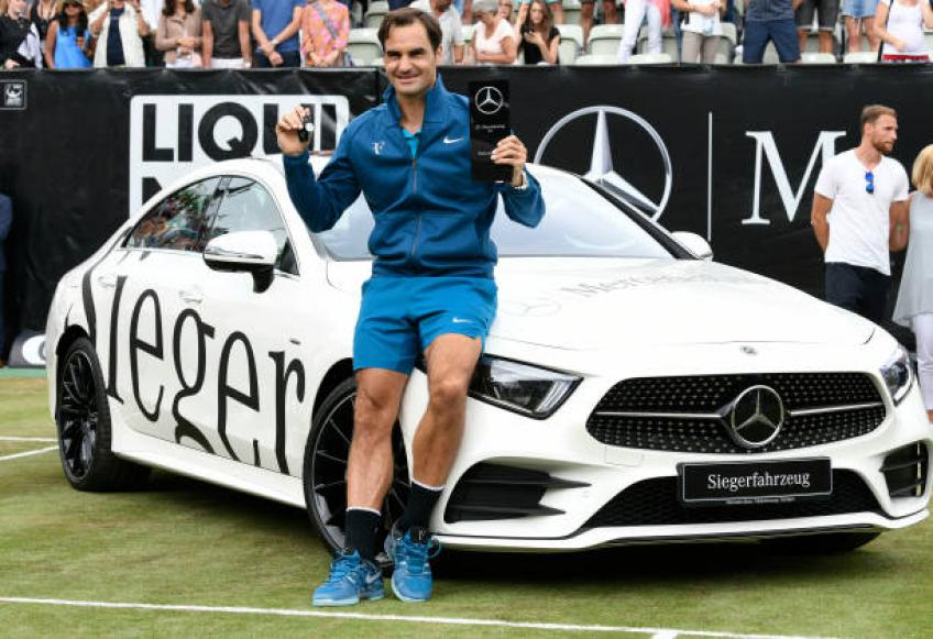 ATP Madrid: Dominic Thiem saves two MP's to send Roger Federer packing