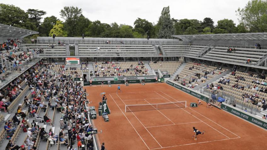 French Open day 2 recap: new courts, new records, new controversies